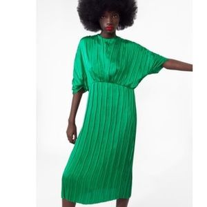 NWT Zara green pleated dress blogger fave sold out
